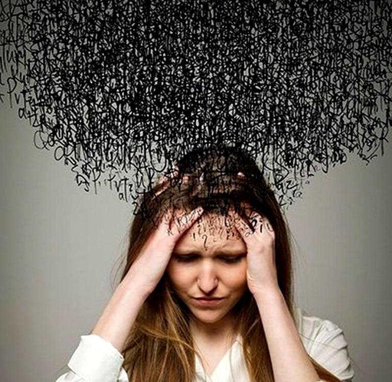 почему порой негативные мысли разъедают наш мозг и как их побороть