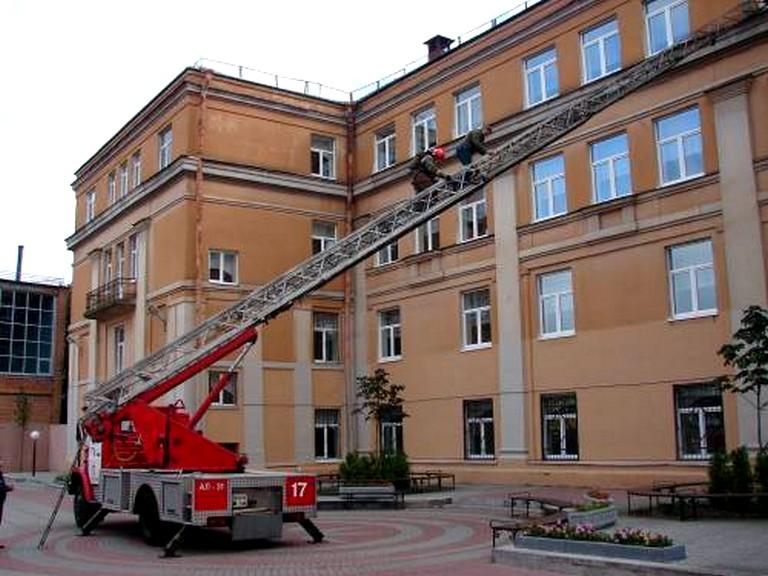 Способы эвакуации из здания, охваченного пожаром