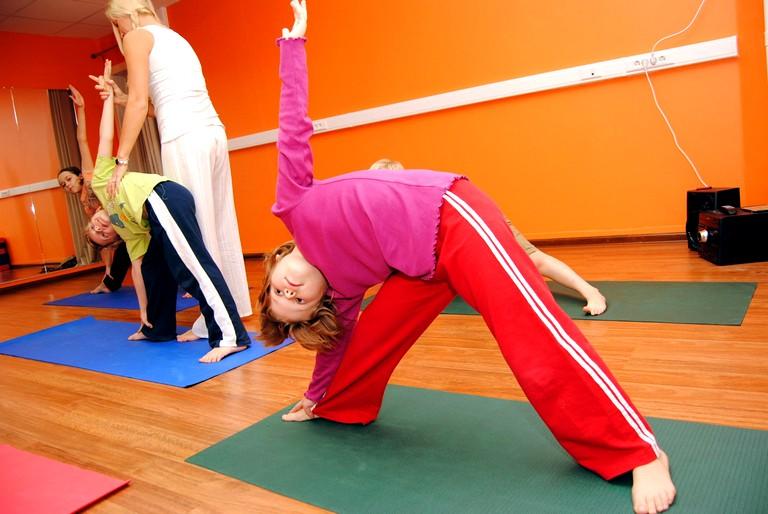 Упражнения детской йоги (2)