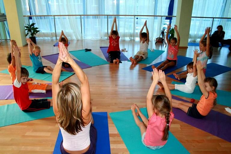 Упражнения детской йоги