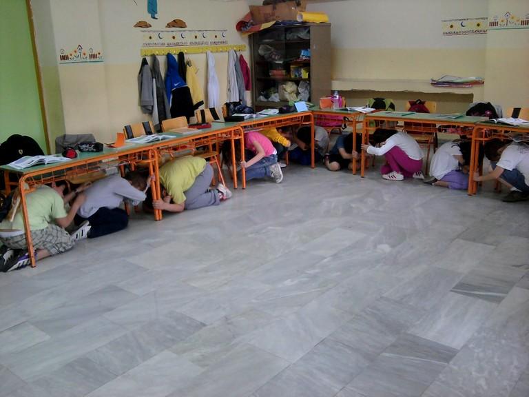 Уроки поведения при землетрясении